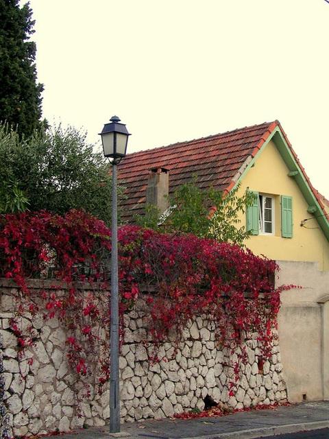Vitrolles 13 vieux village