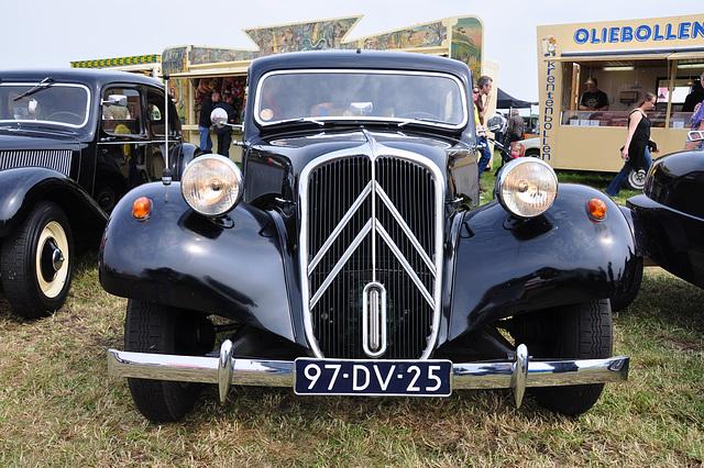 Oldtimershow Hoornsterzwaag – 1954 Citroën 11 B Traction Avant