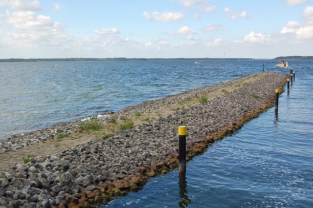Terlango, lago kaj vasta horizonto
