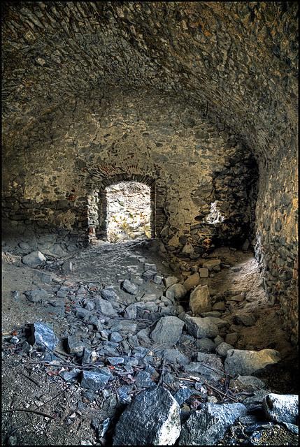Castle Ruin Kaisersberg - 8