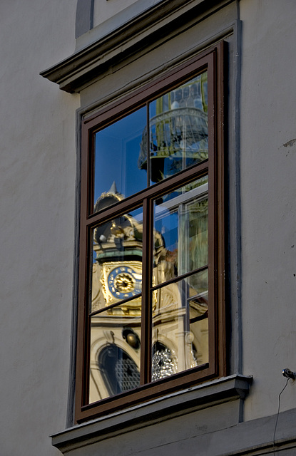 2 hours in Graz - 076 - Colorful Reflection