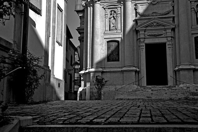 2 hours in Graz - 079 - Light and Shadow