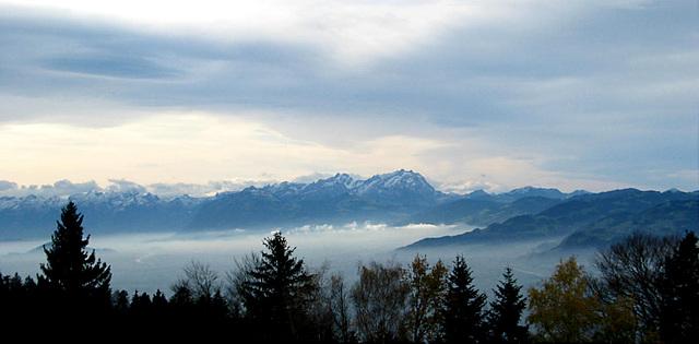weite Sicht in die Berge