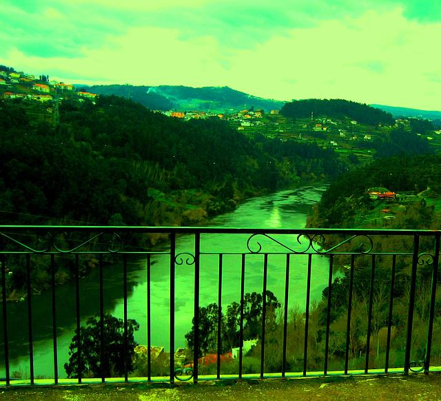 Hotel Convent of Alpendurada, a balcony over River Douro
