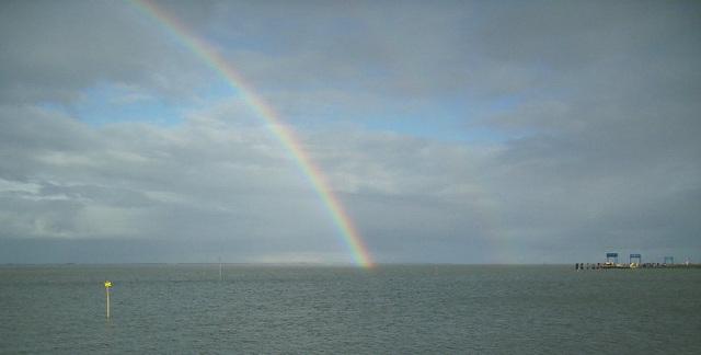 Regenbogen bei der Insel Amrum / Ĉielarko ĉe insulo Amrum
