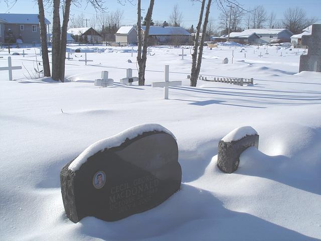 Snowy Indian cemetery / Cimetière Indien sous la neige