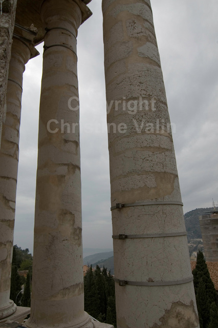 the pillars again!
