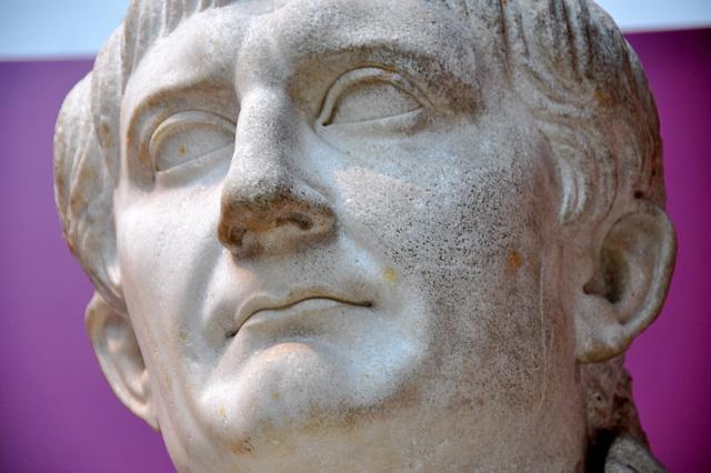 Galerie Keizersstandbeelden – Keizer Trajanus