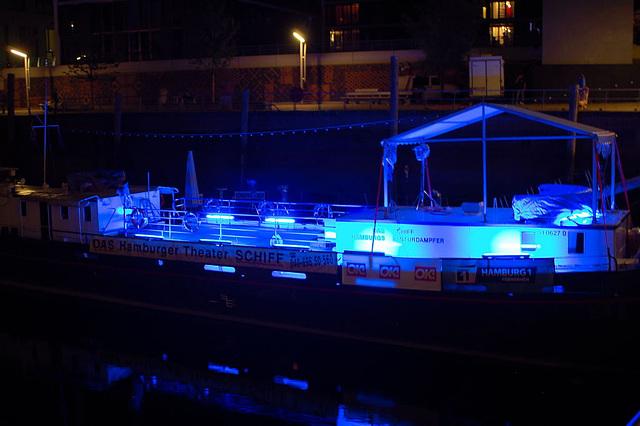 Blue Hamburg0094