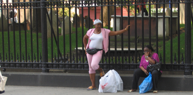 Pink ladies in New-York