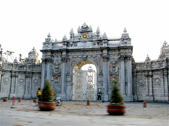 entrance of Dolmabahce castle