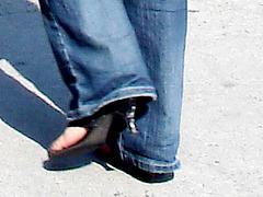 Young Asian Lady  in high heels / Jeune beauté Asiatique en Talons Hauts- Halifax, Nouvelle-Écosse. CANADA.