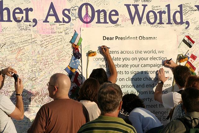 14.ObamaMessageBoard.LincolnMemorial.WDC.7nov08