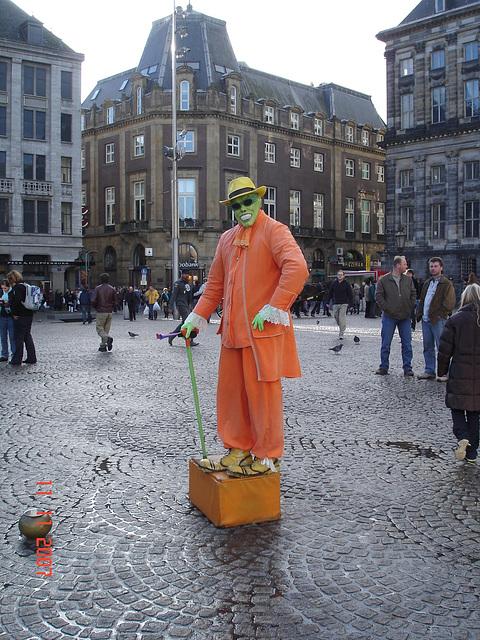 Touriste masqué / Masked tourist -  Amsterdam. Novembre 2008.