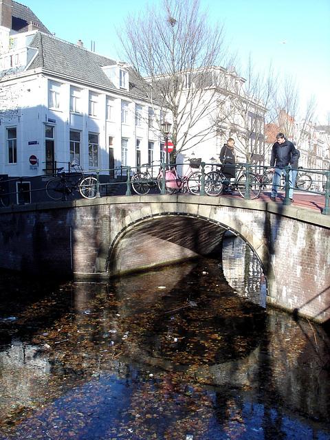 Amsterdam et ses jolis petits ponts légendaires !  Amsterdam legendary sweet bridges !