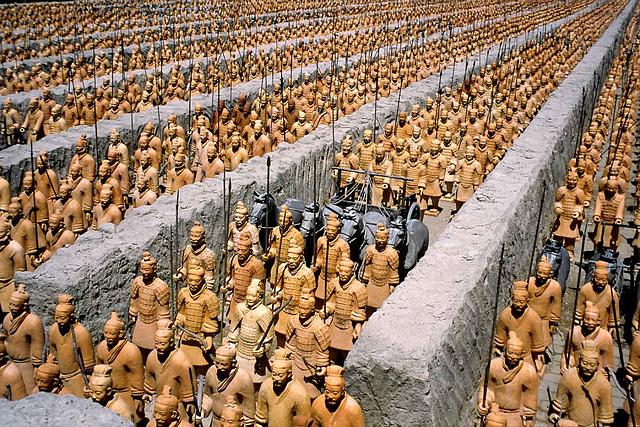 19980619-0023ac Texas Awesome Reproduction of the Excavated Buried Army of China Xi'An