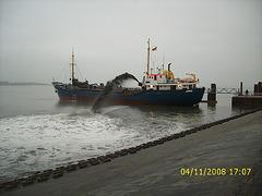 Laboroj en la haveno de Wittdün/Amrum
