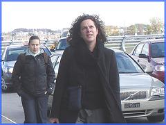 Cheveux frisés et souliers plats- Curly hair and flat shoes- Aéroport de Montréal- 18 octobre 2008
