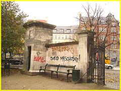 Agressive bench- Banc menaçant- Copenhagen- 20 octobre 2008.