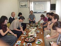 S-ro Hujimaki kaj membroj de mia Esperanto-kurso(2008.9.8)