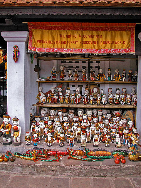 Water puppets as souvenirs