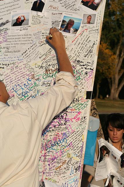 34.ObamaMessageBoard.LincolnMemorial.WDC.7nov08