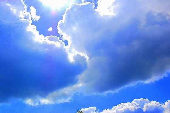 Nubo flustras al nubo pri vera rakonto