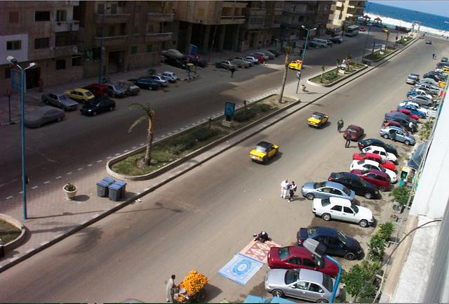 Alexandrie : La prière au milieu de la rue