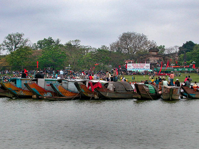 Regatta on the Hương River