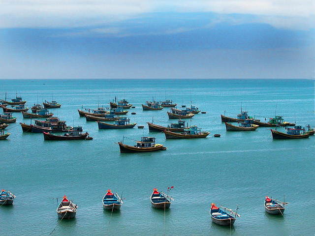 Fishing boats in the Cam Ranh Bay