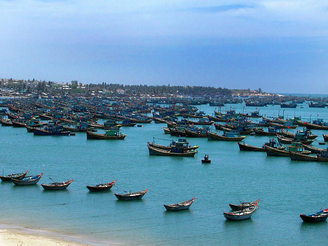 Fishing boats in Cam Ranh