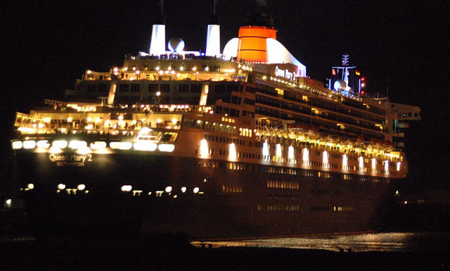 Queen Mary 2 am 29.07.080