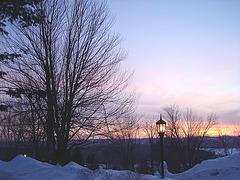 Monastic sunrise / Lever de soleil monastique - 7 février 2009-  Abbaye de St-Benoit-du Lac.  Québec. Canada .  Février 2009