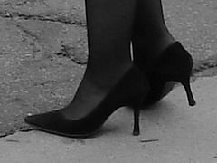 ICSB smoking Mature in High Heels - Dame mature fumant en Talons Hauts