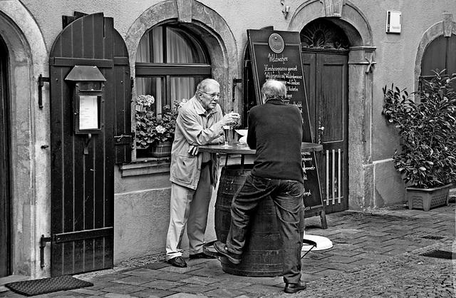 2 hours in Graz - 058 - Old Friendship
