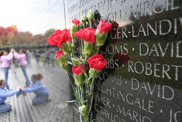 03.VietnamWarVeteransMemorial.WDC.14nov07