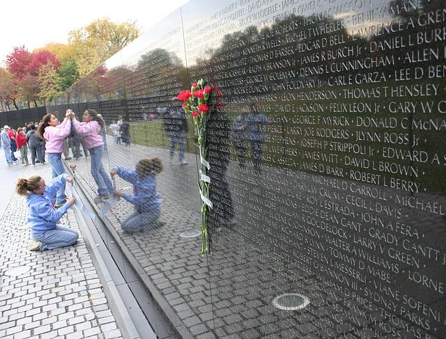 04.VietnamWarVeteransMemorial.WDC.14nov07