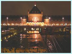 Gare centrale dans la noirceur Danoise - Train station in the danish darkness /  Copenhague.