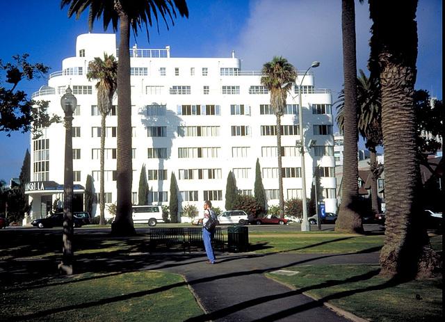 "Sta. Monica Hotel ""Shangri La"""