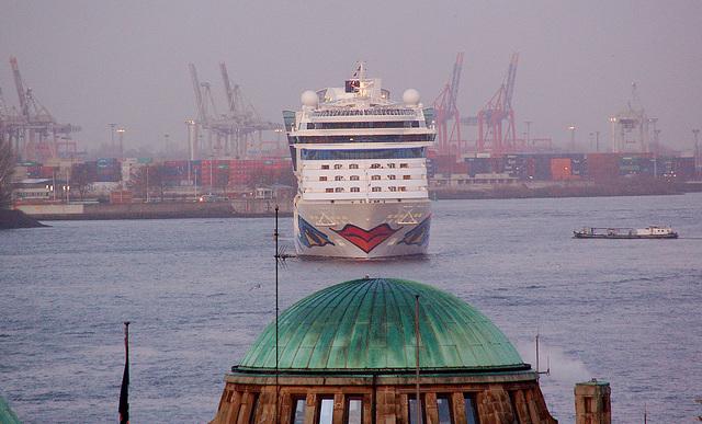 Aidaluna in Hamburg 2009