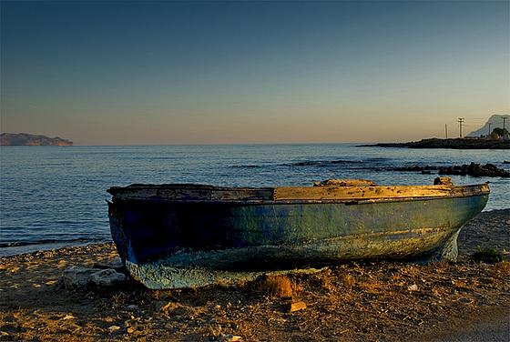 The green-golden boat in the morning light.......
