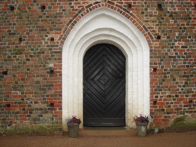 Cimetière et église de Båstad en Suède / Båstad's cemetery and chuch in Sweden.