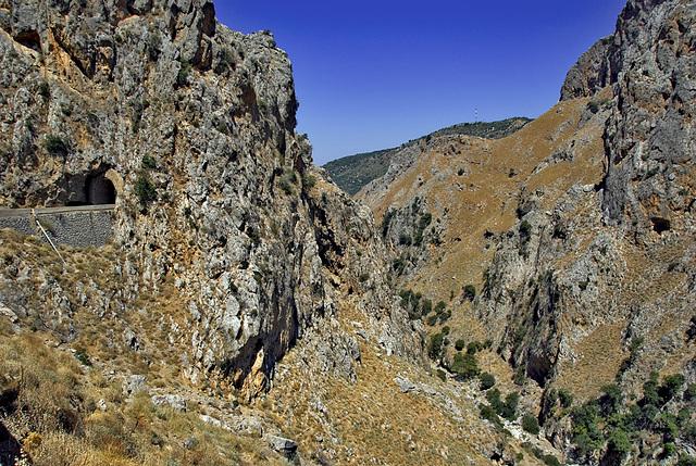 Topoliano Gorge - Tunnel