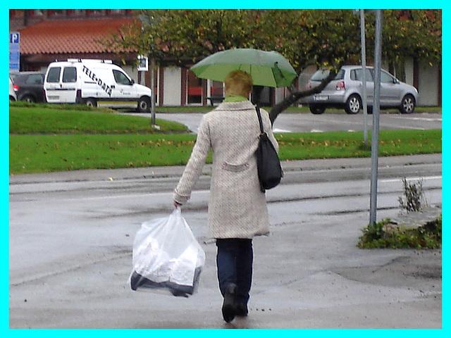 Grande Dame Blonde et mature en bottes à talons hauts - Tall blonde Lady in high-heeled boots