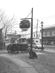 Antiquités / Antiques - Ormstown, Québec, Canada.   29 mars 2009 - B & W