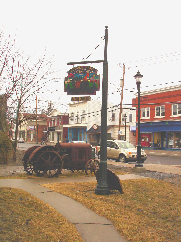 Antiquités / Antiques -  Ormstown  - Québec, Canada.   29 mars 2009