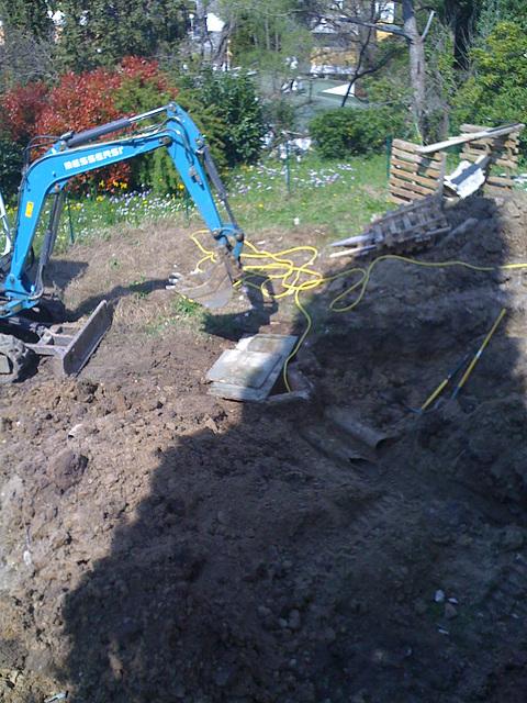 Des machines attaquent mon jardin !