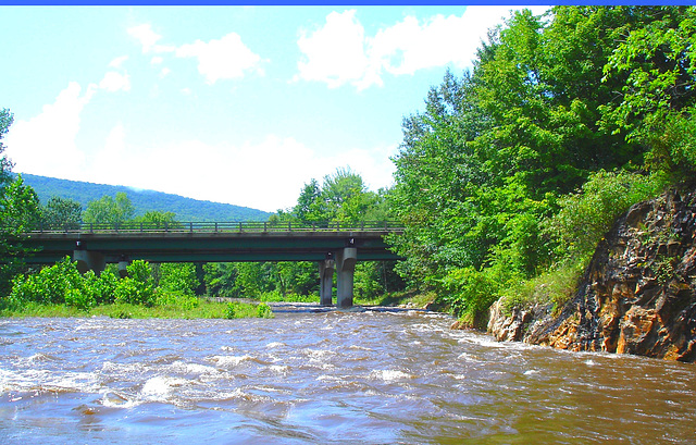 Pont et rivière -  Bridge and river -Vermont- USA