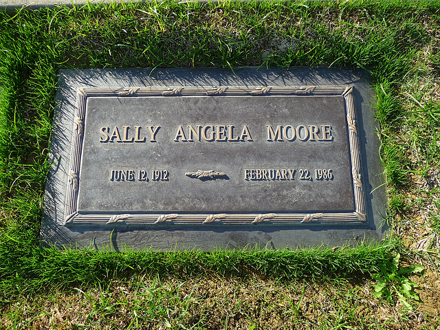 Sally Moore - Wife of Clayton Moore (2040)