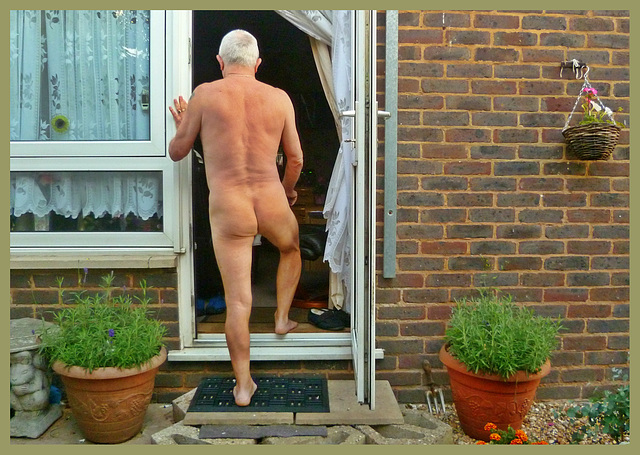 Naturist Going In